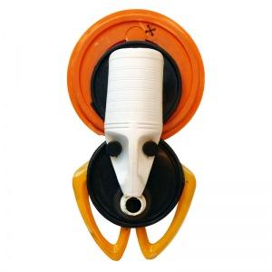 Masques Eco-design, une interpellation de l'artiste Fara Sema sur notre sur consommation de plastique