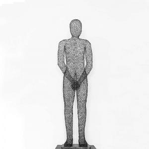 L'Art du fer contemporain, une sculpture à taille humaine toute en transparence